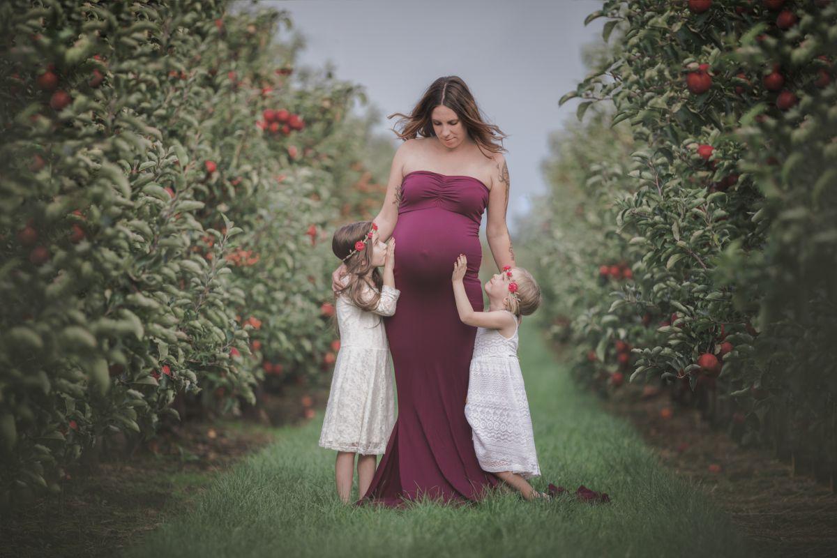 Schwangerenfotografie Stade, Mama mit Töchtern